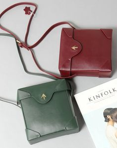68.00$  Watch here - http://alit71.worldwells.pw/go.php?t=32753804881 - Women Vintage Box Small Sling Bag 2016 New Autumn Winter Shoulder Cross-body Lady Leather Messenger Bag Purse 68.00$