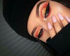 warm golden half-cut crease   makeup // pinterest: joiespooks