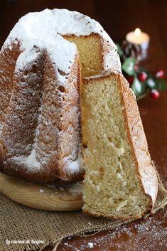 Pandoro classico con lievito di birra Sourdough Bread, Christmas Recipes, Biscotti, Oreo, Sandwiches, Cakes, Baking, Kitchen, Food