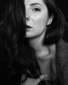 У чернобелых портретов своя магия а если ещё и актриса больших и малых на нём... На фото @judjik #портрет #чб #модель #девушка #актриса #фотодня #portrait #portraitisreligion #model #girl #bw #photooftheday #art #sensual #actress by boroda_sledit_za_toboy