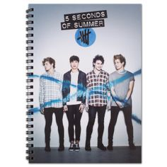 5SOS: Fanzine THIS IS SO COOL I WANT IT SO BAD TO FIND IT GO TO www.5SecondsofSummer.com
