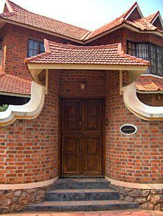 Super Exterior Brick Homes Country Houses Ideas Village House Design, Kerala House Design, Bungalow House Design, House Front Design, Exterior House Colors, Exterior Design, Kerala Traditional House, Brick Architecture, Kerala Architecture