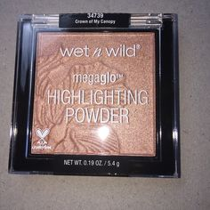 Wet n Wild Highlight powder ( Crown of my Canopy) Brand New Wet n Wild Megaglo Highlight powder ( Crown of my Canopy) Amazing Quality very Pigmented Super Creamy Great for all skin tones Limited Edition Wet n Wild Makeup Luminizer