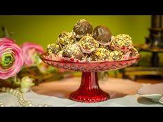 Αγαπημένα σπιτικά σοκολατάκια με πραλίνα και ολόκληρα τραγανά φουντούκια - YouTube Decorative Bowls, Sweets, Christmas Ornaments, Cake, Trifles, Recipes, Chocolates, Youtube, Gummi Candy