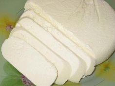 Адыгейский сыр. Сыр готовится  очень легко и просто,получается вкусным,а главное что никаких яиц!