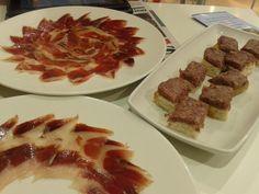 Salchichón de chivo y jamón de castaña de @ElPimpiMalaga, by @agalmendres