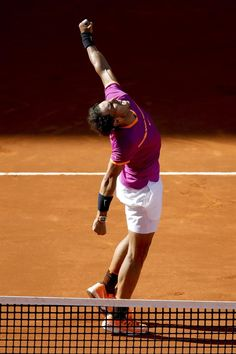 Rafael Nadal d. Dominic Thiem 7-6(8), 6-4 to win the Madrid Open 2017 for the fifth time.