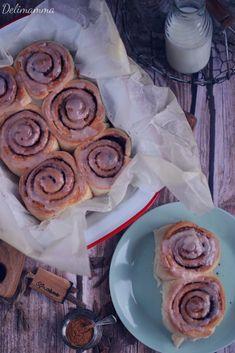 cynamonowe rollsy, bułeczki cynamonowe, cynamonowe ciasto drożdżowe