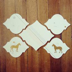 """"""" Para siempre """" posa vasos y posa jarra. Pieza única #Himallineishon #coasters #illustration #handmade #homedecor #horse #art"""