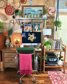 4b807c8da454 17 Maximalist Rooms For Anyone Who Never Got Into The Whole Minimalism Thing