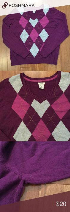 Izod purple sweater with purple & gray argyle Great condition, only sign of wear is a little bit of pulling at underarms. 100% cotton. Izod Sweaters V-Necks