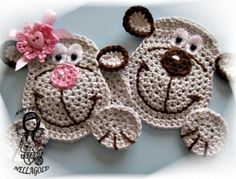 Crochet PATTERN Applique Monkey Aplication by NellagoldsCrocheting - aren't these just too adorable not to apply to a blankie or purse or anything else u can think of. Crochet Diy, Crochet Amigurumi, Irish Crochet, Crochet Applique Patterns Free, Crochet Motifs, Crochet Appliques, Motifs D'appliques, Plastic Bag Crochet, Crochet Embellishments