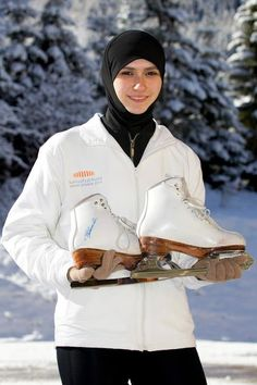 First Hijab Wearing Muslim Woman Figure Skater