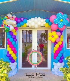 A party is not complete without a very beautiful decoration made with balloons. One of the most common elements and that suits all, no doubt, is the balloon arch: is for baptisms, birthdays, Balloon Columns, Balloon Arch, Balloon Garland, Balloon Ideas, Diy Unicorn Birthday Party, 1st Birthday Parties, Birthday Balloon Decorations, Birthday Balloons, Festa Do My Little Pony
