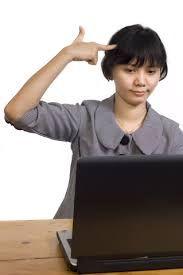 Bildresultat för kvinna vid dator