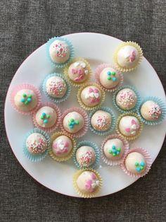 Lemon Cake Pops, ein gutes Rezept aus der Kategorie Kekse & Plätzchen. Bewertungen: 114. Durchschnitt: Ø 4,5.