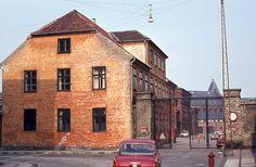 Guidekasernen, hvor Toldskolen lå.
