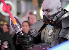 A couple days ago plainclothes warriors join the battle among Jedi and Sith in the first ever lightsaber freeze mob duel in the heart of New York's Times Square. Watch as over 100 fans joined the battle to celebrate the launch of STAR WARS™: The Old Republic.