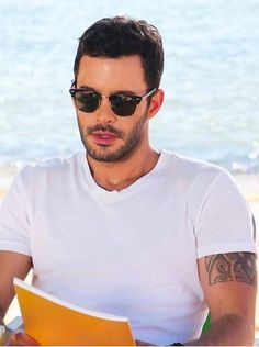 Bariş Arduç Turkish Men, Turkish Fashion, Turkish Beauty, Turkish Actors, Hot Actors, Actors & Actresses, Birthday Quotes For Best Friend, Cute Couple Pictures, Music Film