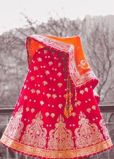 Very beautiful! #weddingnet #wedding #india #gurgaonwedding #indian #indianwedding #weddingphotographer #candidphotographer #weddingdresses #mehendi #ceremony #realwedding #lehenga #lehengacholi #choli #lehengawedding #lehengasaree #saree #bridalsaree #weddingsaree #indianweddingoutfits #outfits #backdrops  #bridesmaids #prewedding #photoshoot #photoset #details #sweet #cute #gorgeous #fabulous #jewels #rings #tikka #earrings #sets #lehnga #love #inspiration