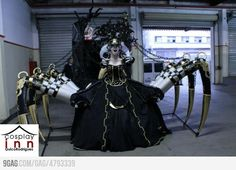 I don't care who you are, this is impressive.     Cydea from Diablo III #Cosplay.