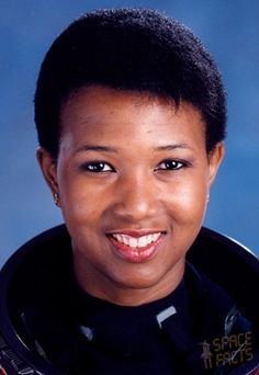 this is a picture of mea jemison a former NASA astronaut. mea jemison was the first african american woman to explore space