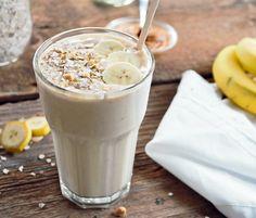 Smoothie aux Bananes, Beurre d'Arachides et Gruau - http://www.ratatouilleetcie.com/smoothie-aux-bananes-beurre-darachides-et-gruau/