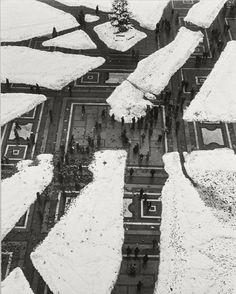 Mario De Biasi - Sagrato. Milano, 1951