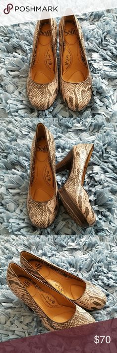 Snakeskin Leather Pumps NWOT This snakeskin pump features stacked woodgrain heel, rounded toe pump, and contoured footbed that cradles your foot for comfort. Size 6. NWOT Sofft Shoes Heels