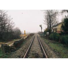 #emptyplaces #agafcolourv200 #contaxg2 #g2 #film #35mm #line #notes #sociallandscape #poundlandfilm #details by fudgedaniels