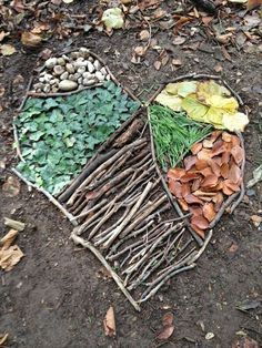 How to Create Land Art from Rediscovered Families Figuren, Menschen aus Natur. Art Et Nature, Deco Nature, Nature Crafts, Forest Crafts, Heart In Nature, Forest School Activities, Nature Activities, Outdoor Activities, Land Art