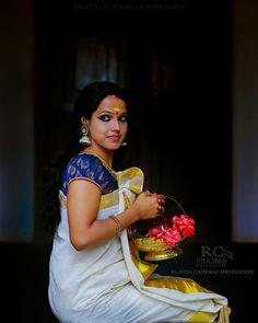 Saree Dress, Sari, Saree Blouse, Girls Phone Numbers, Sexy Blouse, Female Photographers, India Beauty, Indian Sarees, Indian Fashion