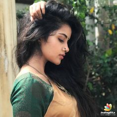 South Indian Actress Anupama Parameswaran New Photos 2020 Beautiful Girl Indian, Most Beautiful Indian Actress, Beautiful Women, Photography Poses Women, Girl Photography, Beautiful Profile Pictures, Saree Poses, Tamil Girls, Anupama Parameswaran