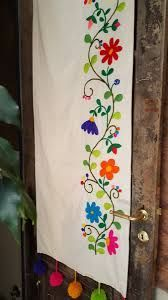 Resultado de imagen para bordado mexicano - #bordado #de #imagen #mexicano #para #Resultado Embroidery Patterns Free, Hand Embroidery Stitches, Hand Embroidery Designs, Diy Embroidery, Cross Stitch Patterns, Cushion Embroidery, Bohemian Furniture, Mexican Embroidery, Fabric Painting