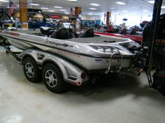 2016 Ranger Boats Ranger Z521C - Silver Anniversary Mist/Pearl Mist Bass Fishing Boats, Bass Boat, Ranger Boats, Bossier City, Silver Anniversary, Antique Cars, Pearl, Camping, Vintage Cars
