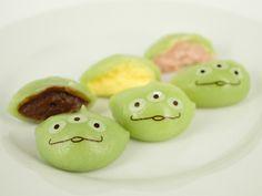 """Little Green Men/ リトル・グリーン・まん"" at Tokyo Disneyland > whatever that is, i wanttt!"
