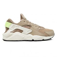 Nike Air Huarache Run Premium (Desert Camo/Sea Glass-String-Ghost... ($73) ❤ liked on Polyvore featuring shoes, athletic shoes, nike athletic shoes, camouflage footwear, animal print athletic shoes, green shoes and nike