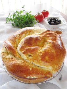 Кулинарен еликсир: трислоен тутманик с масло и сирене