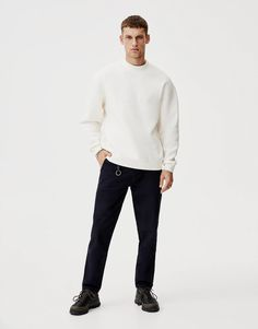 "Dessuadora blanca ""Identified"" - PULL&BEAR Pull & Bear, Minimal Fashion, Normcore, Fashion Design, Men, Style, Swag, Guys, Outfits"