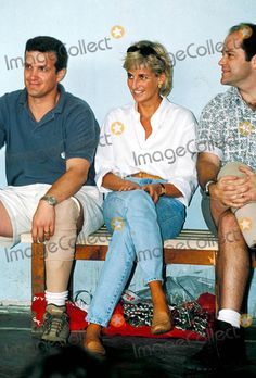 C/n 027812 8-8-1997 Anti Landmine Campaign Visit to Bosnia Princess Diana Photo By:alpha-Globe Photos, Inc