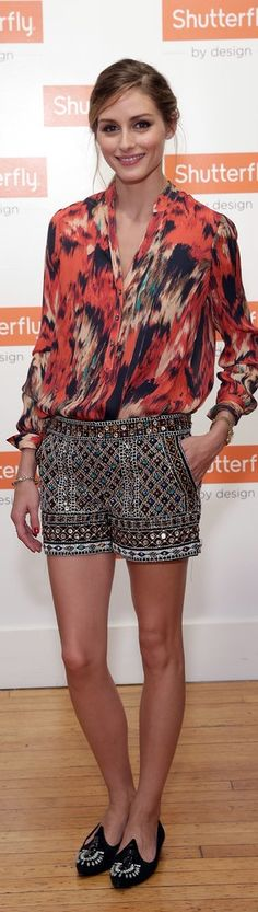 Olivia Palermo street style. She's so goodddd in mixing patterns n colours! 213 55