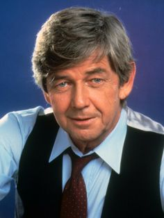 Ralph Waite was an American actor. His best known role was as John Walton, Sr., on the CBS TV series The Waltons, which he also occasionally directed. He also portrayed the slave ship third mate Slater in the mini-series Roots. Ncis, Hollywood Stars, Old Hollywood, The Waltons Tv Show, Divas, Ralph Waite, Richard Thomas, John Boy, Cinema