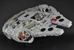 Millennium Falcon - Interior (cross-section) | von Inthert