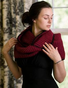 Knitting Instructions For Mobius Scarf : 1000+ images about Shawl-shrug patterns on Pinterest Wedding wraps, Faux fu...