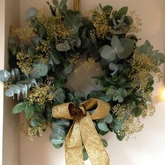 #christmaswreath #wreath #gold #glitter #love #rustic #touchofsparkle