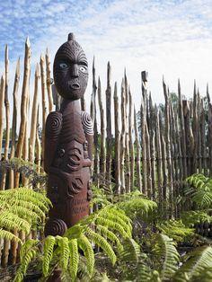 Maori Gardens, New Zealand Hamilton, Mountain Drawing, Maori Art, Sensory Activities, Tree Art, New Zealand, Design Elements, War, Statue