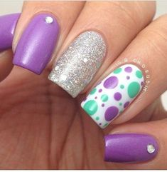 75 Nail Designs Decorated with Points and Incredible Stripes nails decorated with dots and lines Fancy Nails, Cute Nails, Pretty Nails, Frensh Nails, Diy Nails, Toenails, Fabulous Nails, Gorgeous Nails, Polka Dot Nails
