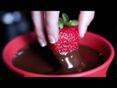 Video on how Velata Chocolate is made! https://mickidawal.velata.us