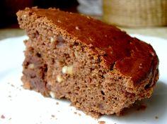 Bizcocho de chocolate es una receta para 8 personas, del tipo Postres, de dificultad Fácil y lista en 100 minutos. Fíjate cómo cocinar la receta.