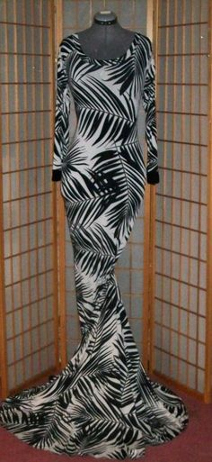 DRAG QUEEN  PLUS SIZE   DIVA IN BLACK AND WHITE   GOWN W/TRAIN TALL